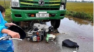 Tin tức tai nạn giao thông ngày 19/9: Tông trực diện xe tải, 2 người thương vong