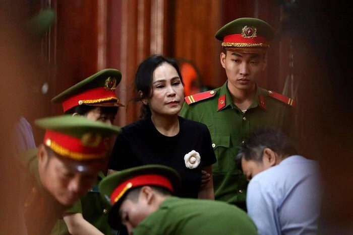 Tuyên án ông Nguyễn Thành Tài và bà Lê Thị Thanh Thúy lãnh tổng cộng 13 năm tù. 1