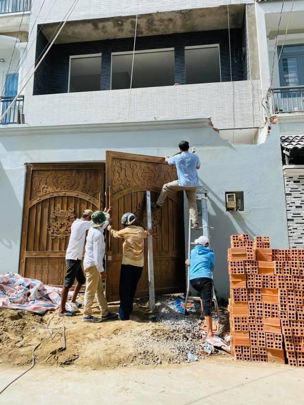 Nữ ca sĩ Hải Băng khoe ảnh xây nhà hoành tráng trong mùa dịch