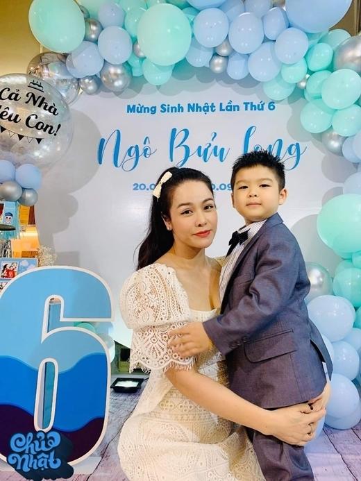 Nhật Kim Anh bị chồng cũ giám sát khi về quê dự sinh nhật con trai