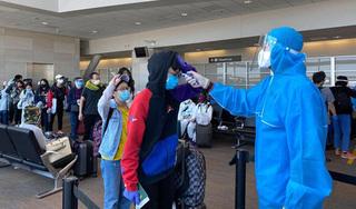 Đưa hơn 340 người Việt từ Mỹ về nước an toàn