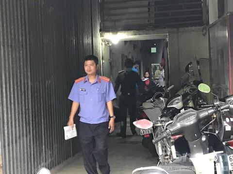 Phá cửa căn phòng khóa trái, tá hỏa phát hiện chủ nhà trọ tử vong