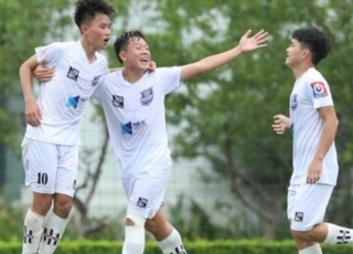 U17 HAGL vươn lên dẫn đầu bảng A sau chiến thắng trước PVF