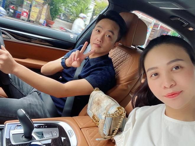 Cường Đô La than thở phải ở nhà trông con để vợ đi chơi, Đàm Thu Trang lập tức 'bóc phốt' ngược lại
