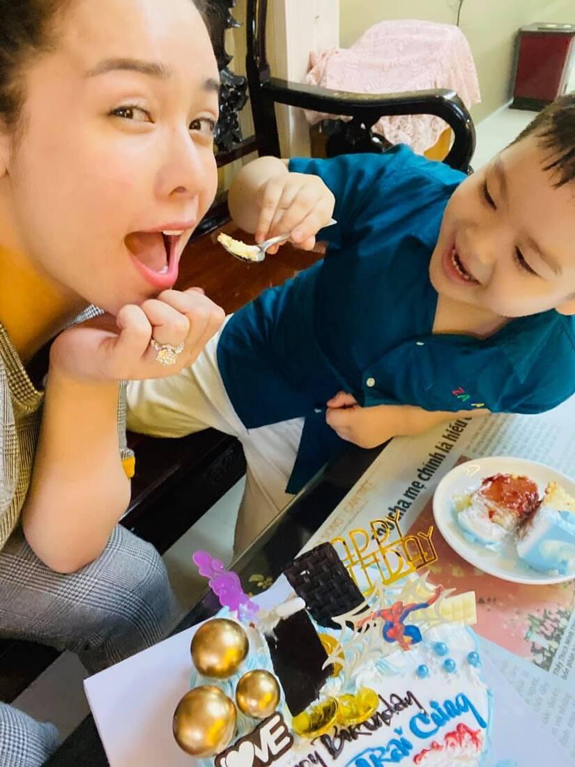 Nhật Kim Anh thất vọng trước lời chúc của cô giáo dành cho con trai