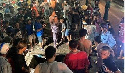Nỗ lực tìm kiếm người phụ nữ bị cuốn xuống cống mất tích trong cơn mưa
