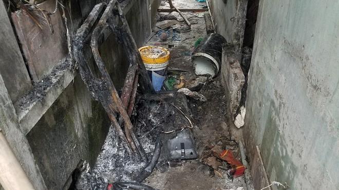 Phòng trọ bốc cháy ngùn ngụt sau khi đôi vợ chồng xảy ra cãi vã