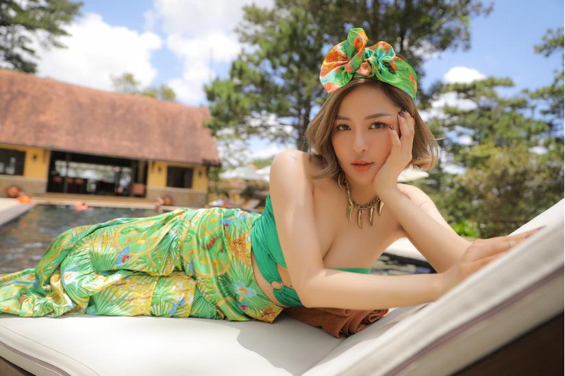 Hậu scandal clip nóng, hot girl Trâm Anh nói triết lý về người cũ hận thù