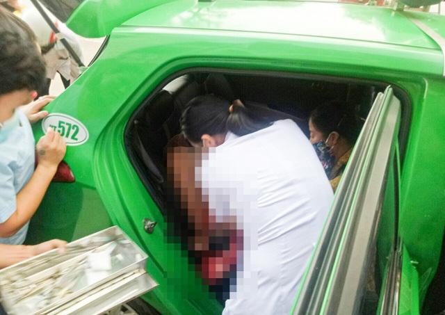 Tài xế taxi Mai Linh đỡ đẻ cho sản phụ ngay trên xe