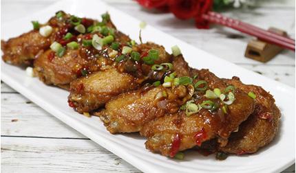 Học mẹ đảm làm cánh gà rim me chua ngọt, thơm ngon cho bữa cơm gia đình