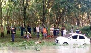 Đã tìm thấy xe ô tô bị nước cuốn trôi trên đập tràn