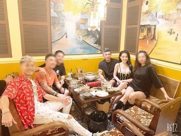 Bầu show cũ tố Lương Bằng Quang và Ngân 98 ăn cháo đá bát, gọi thẳng là 'cặp đôi rẻ rách'