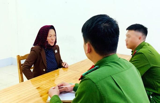 Dụ dỗ bé gái 13 tuổi bán sang Trung Quốc lấy tiền trả nợ