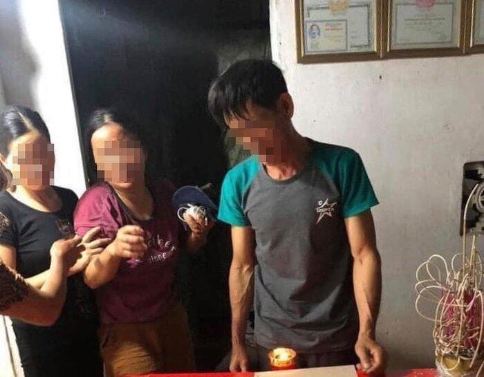 Vừa sạc pin vừa dùng điện thoại, nam thanh niên bị sét đánh tử vong