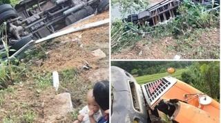 Tin tức tai nạn giao thông ngày 24/9: Đi đường tắt, một xe container lật lao xuống vực