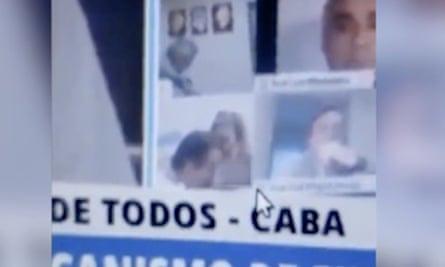 Tin tức thế giới 26/9: Nghị sỹ Argentina hôn ngực bạn gái khi họp trực tuyến quốc hội