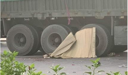 Va chạm với xe container ở Hải Phòng, bố trọng thương, 2 con nhỏ tử vong