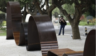 Brazil xây đài tưởng niệm các nạn nhân Covid-19 đầu tiên