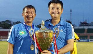 HLV Văn Quyến nói gì khi giúp SLNA vô địch U17 quốc gia?