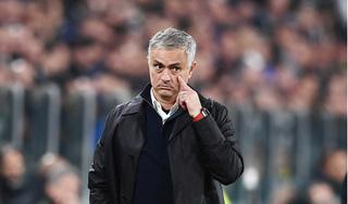 HLV Jose Mourinho đáp trả lời mỉa mai của HLV MU