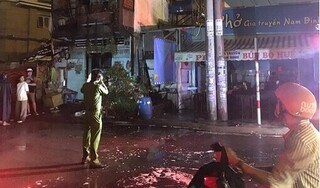 Cháy nhà dân lan sang quán phở, thực khách bỏ chạy tán loạn