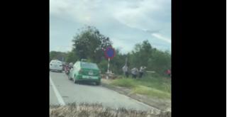Tranh giành khách, hai nhóm tài xế taxi đuổi đánh nhau loạn xạ