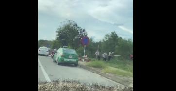 Hai nhóm tài xế taxi đuổi đánh nhau vỡ đầu
