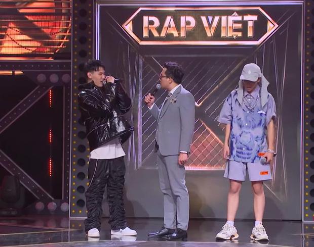 MC Trấn Thành tiếp tục bị chỉ trích thiếu chuyên nghiệp khi làm MC Rap Việt