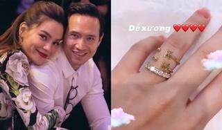Hồ Ngọc Hà gây chú ý khi khoe chiếc nhẫn khắc tên với Kim Lý