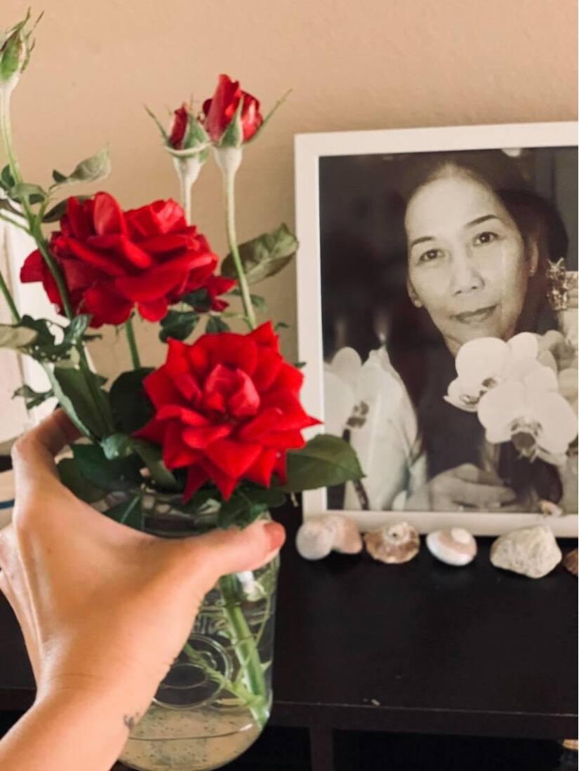 Mẹ qua đời tròn 100 ngày, Kim Hiền đau buồn khi không thể về nước