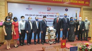 Mỹ tặng Việt Nam 100 máy thở hỗ trợ phòng, chống Covid-19