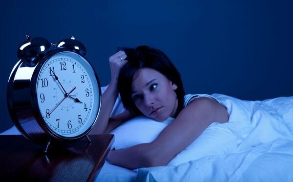 Những thói quen hàng ngày 'âm thầm' hủy hoại đôi mắt mà bạn ít để ý