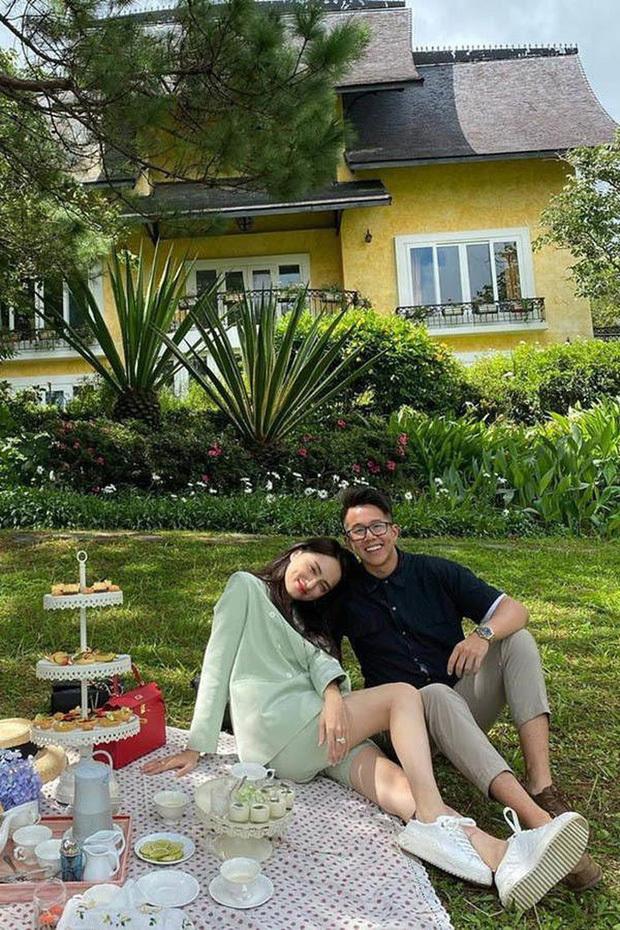 Đang hẹn hò với Matt Liu, Hương Giang gây hoang mang khi đăng status 'hết yêu'