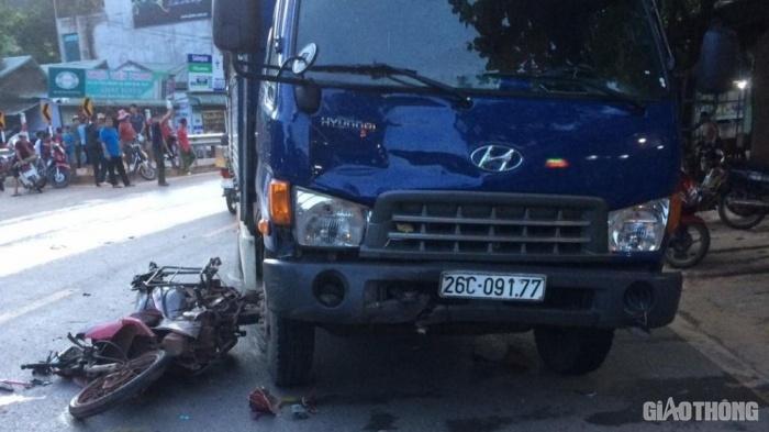 Xe tải va chạm với xe máy, 1 người đàn ông tử vong