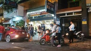 Hai băng nhóm hỗn chiến có nổ súng tại quán karaoke