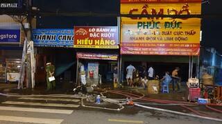 TP. HCM: Hỏa hoạn thiêu rụi 3 cửa hàng ở Tân Bình