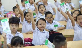Bổ sung dinh dưỡng từ sữa học đường là cách an toàn