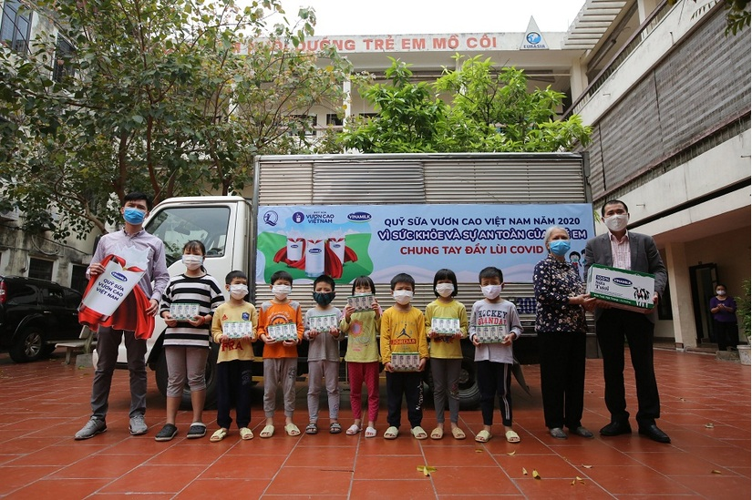 Vinamilk là thương hiệu mạnh nhất Việt Nam, thuộc top 1000 thương hiệu hàng đầu của châu Á .2