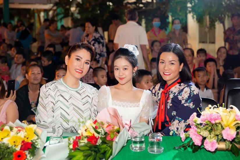 """Hoa hậu Doanh nhân Xuân Hương: """"Cho đi yêu thương - Nhận lại nụ cười"""""""