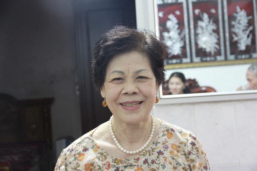 Bà Dương Thị Hòa đã khỏi cả bệnh viêm loét dạ dày, trào ngược dịch mật dạ dày nhờ bài thuốc cổ phương của Phòng khám y học cổ truyền Việt Thanh