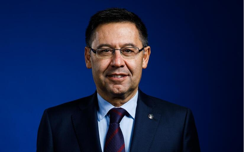 Gerard Pique bất ngờ ủng hộ chủ tịch Bartomeu