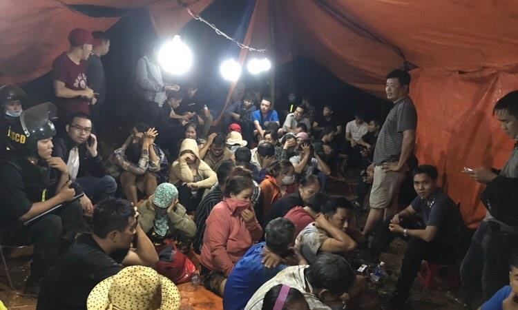 Đánh úp sới bạc ở Đồng Nai, 41 con bạc bỏ chạy toán loạn