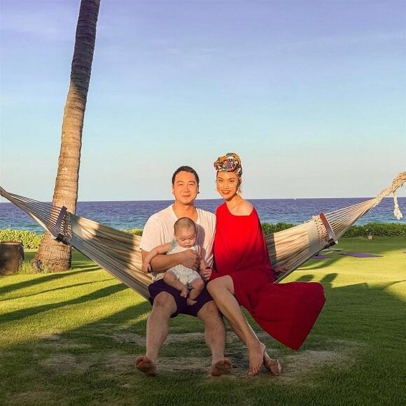 Lan Khuê tình tứ bên chồng đại gia nhân kỷ niệm 2 năm ngày cưới