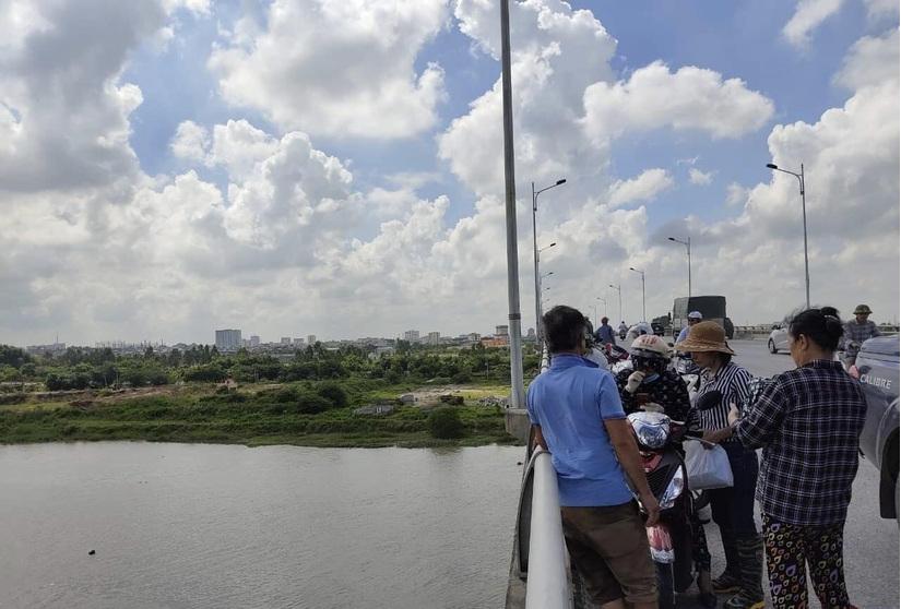 Nam thanh niên Hải Dương nhảy cầu Hàn tự tử sau khi bỏ lại tư trang