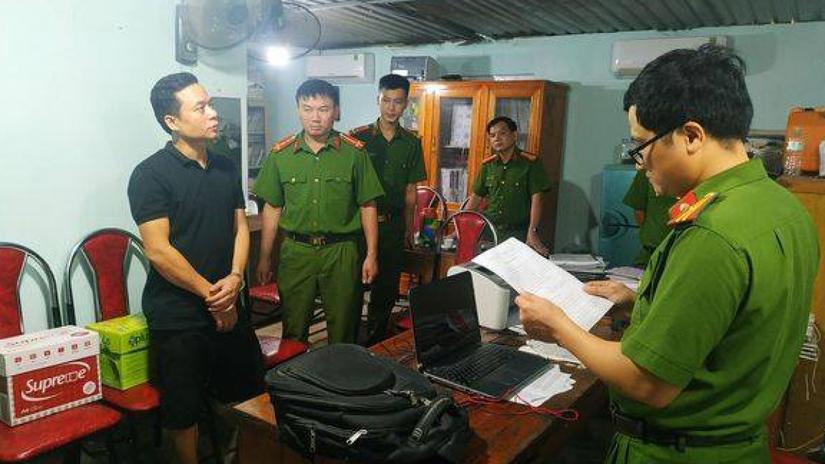 Cán bộ địa chính nhận hối lộ bị bắt ở Tuyên Quang