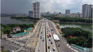 Cận cảnh cầu vượt 'trăm tỷ' qua hồ Linh Đàm vừa chính thức thông xe