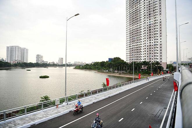 Khánh thành cầu vượt thấp qua hồ Linh Đàm đẹp như mơ
