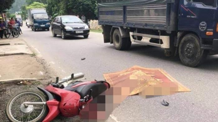 Người phụ nữ tử vong sau cú va chạm với xe tải trên QL21