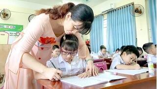 Bộ GD-ĐT đề nghị giữ nguyên mức học phí hiện hành