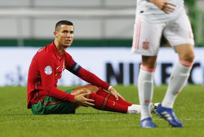 Ronaldo thi đấu mờ nhạt trước Tây Ban Nha